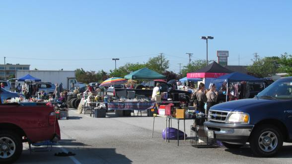 Flea Market Fun 021
